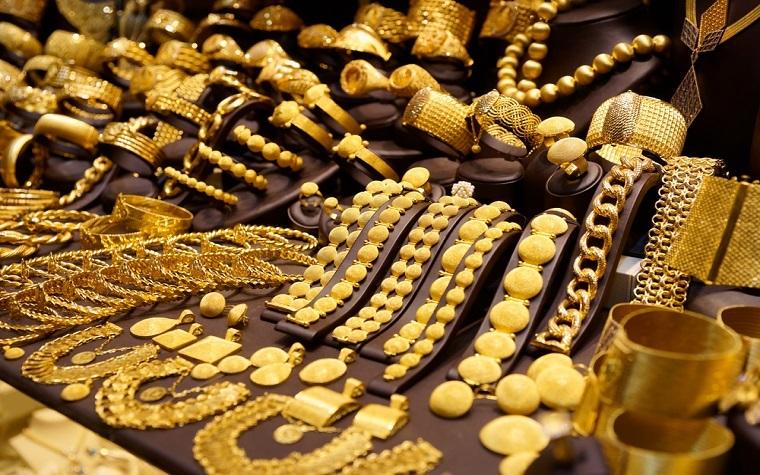 Budget 2017-18 has abolished TCS on jewellery